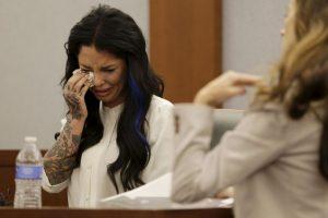 Ella no pudo contener las lágrimas Foto:AP. Imagen Por: