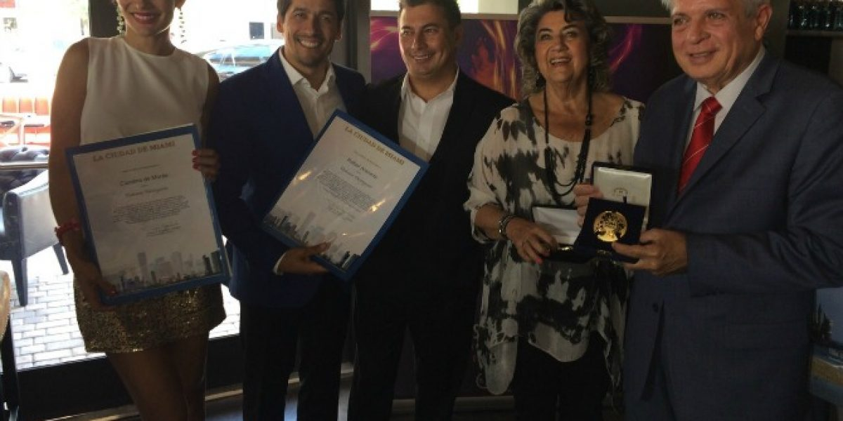 Araneda y De Moras reciben importante distinción en Miami