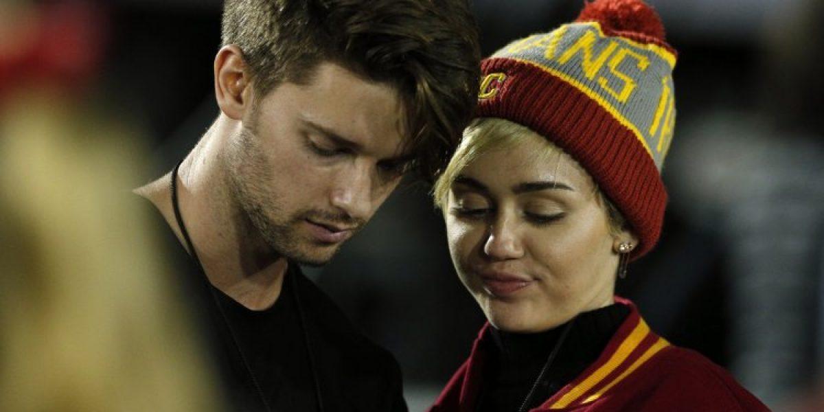 ¡Romance confirmado!: Miley Cyrus fue sorprendida a los besos con su nuevo novio