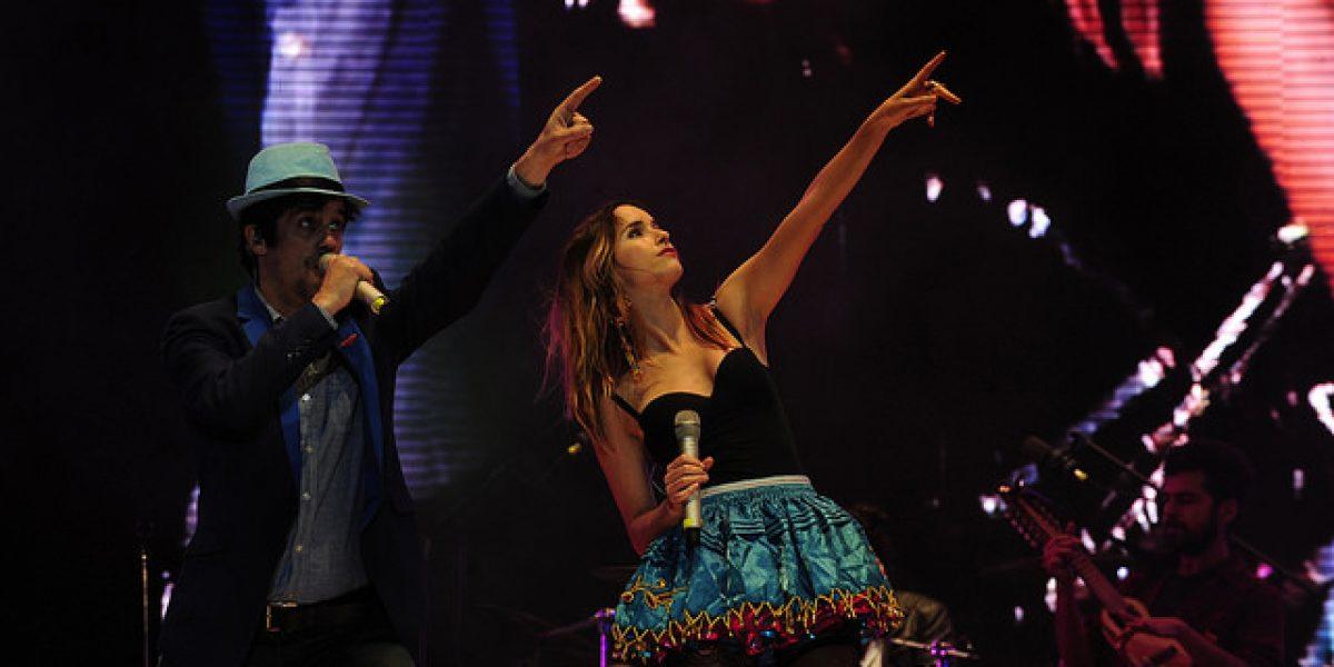 Juanita Ringeling y Matías Oviedo llevaron su amor y música al sur