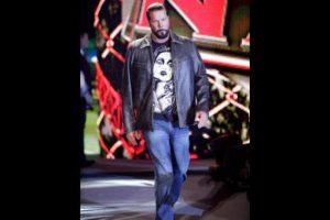 El pelador de 55 años mide 2.08 metros (6 pies con 9 pulgadas) Foto:WWE. Imagen Por:
