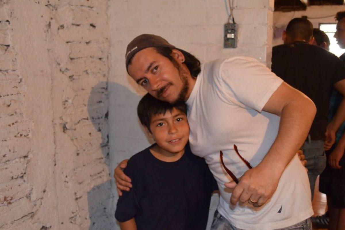 Jairo Valdés y Anthony: el profesor que inició la campaña y su añumno. Foto:Reproducción. Imagen Por:
