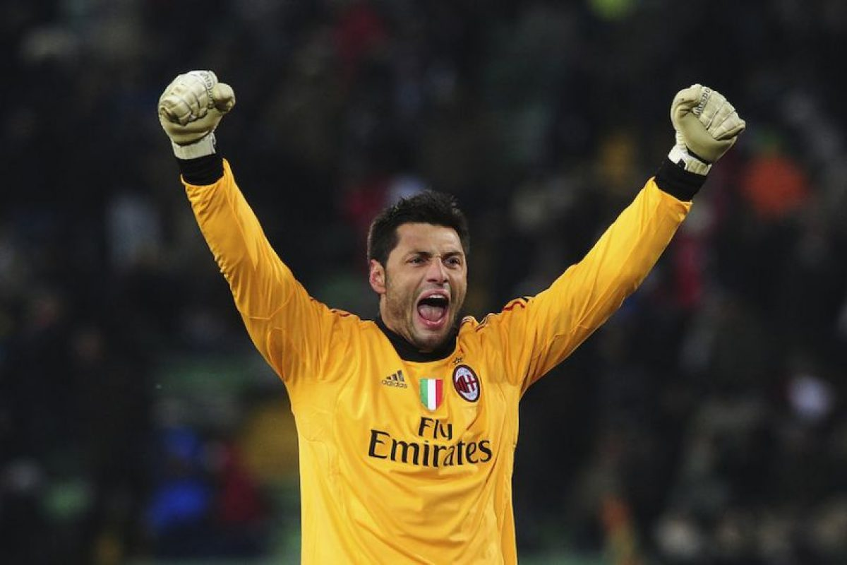 En el AC Milán también tuvo competencia en Christian Abbiati. Foto:Getty Images. Imagen Por: