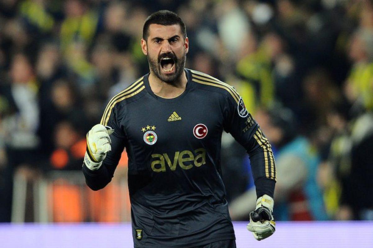 Entre su palmarés se encuentran tres ligas de Turquía y una Supercopa. Foto:Getty Images. Imagen Por: