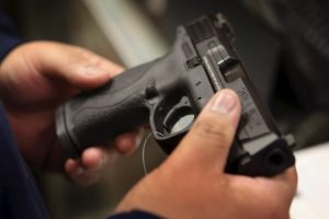3. Hasta 2012, el 34.4% de los hogares estadounidenses tenían un arma en su poder. Foto:Getty Images. Imagen Por: