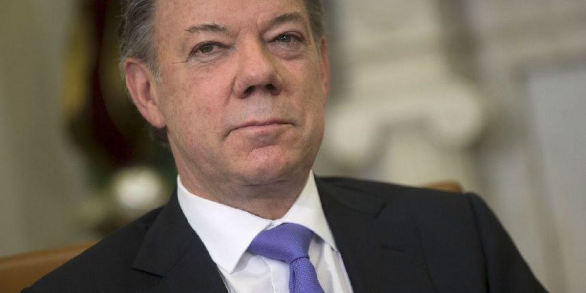 Suspende Santos negociaciones de paz por secuestro de un militar