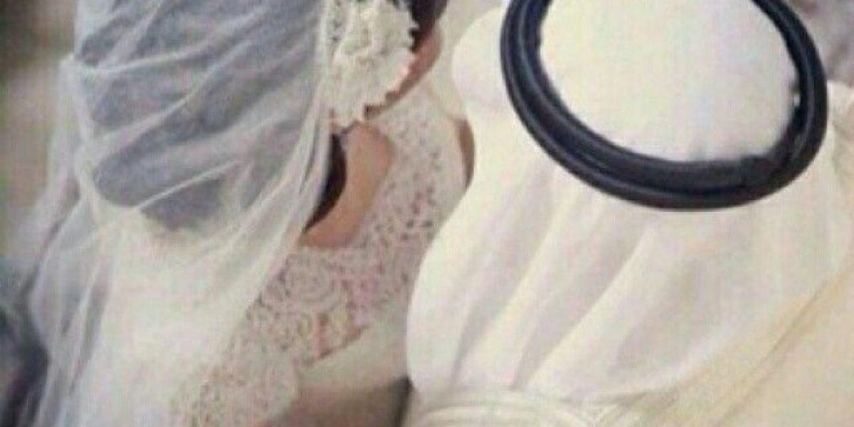 Hombre se divorcia de su esposa cuando le ve la cara