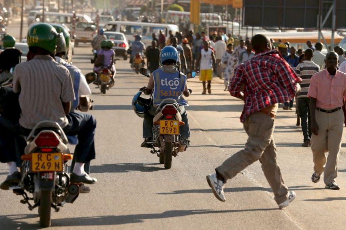 10. Mantengan su distancia con otros vehículos. Foto:Getty Images. Imagen Por: