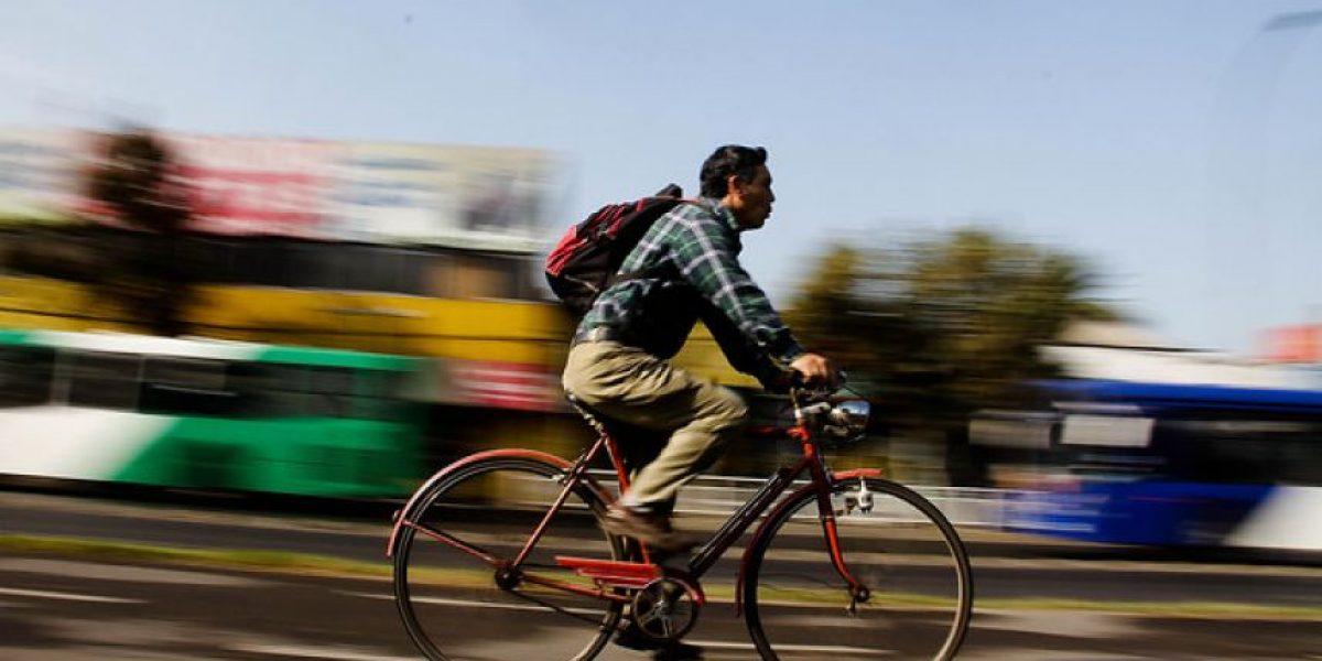 Falla del Metro muestra un fuerte incremento del uso de la bicicleta en Santiago durante la crisis vial