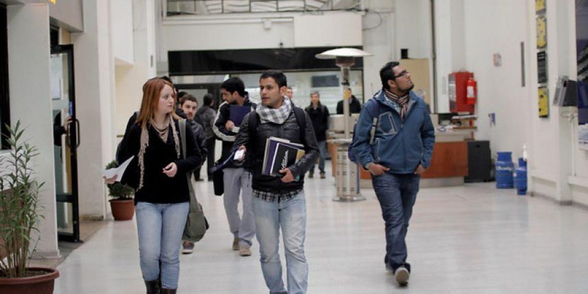 Comisión aprueba derogar el decreto que prohíbe la participación estudiantil en las universidades