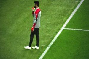 Hinchas del Galatasaray le gritaban a Demirel. Foto:Twitter. Imagen Por: