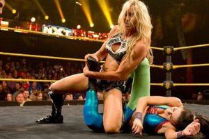 Llegó a la WWE en mayo de 2012 Foto:Instagram: @charlottewwe. Imagen Por: