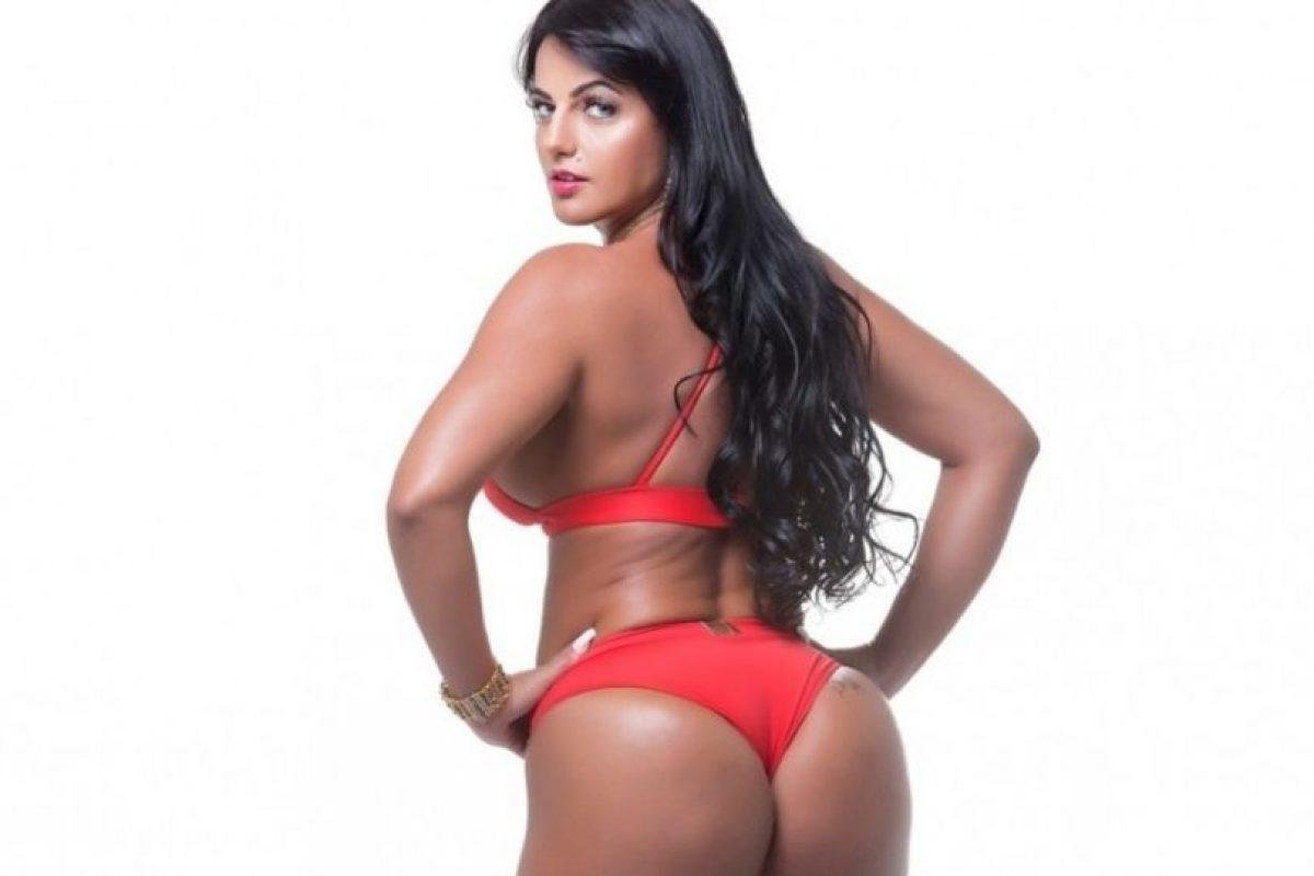 Ella llegó al concurso en sustitución de Michelle Docio Foto:Missbumbumbrasil.com.br. Imagen Por: