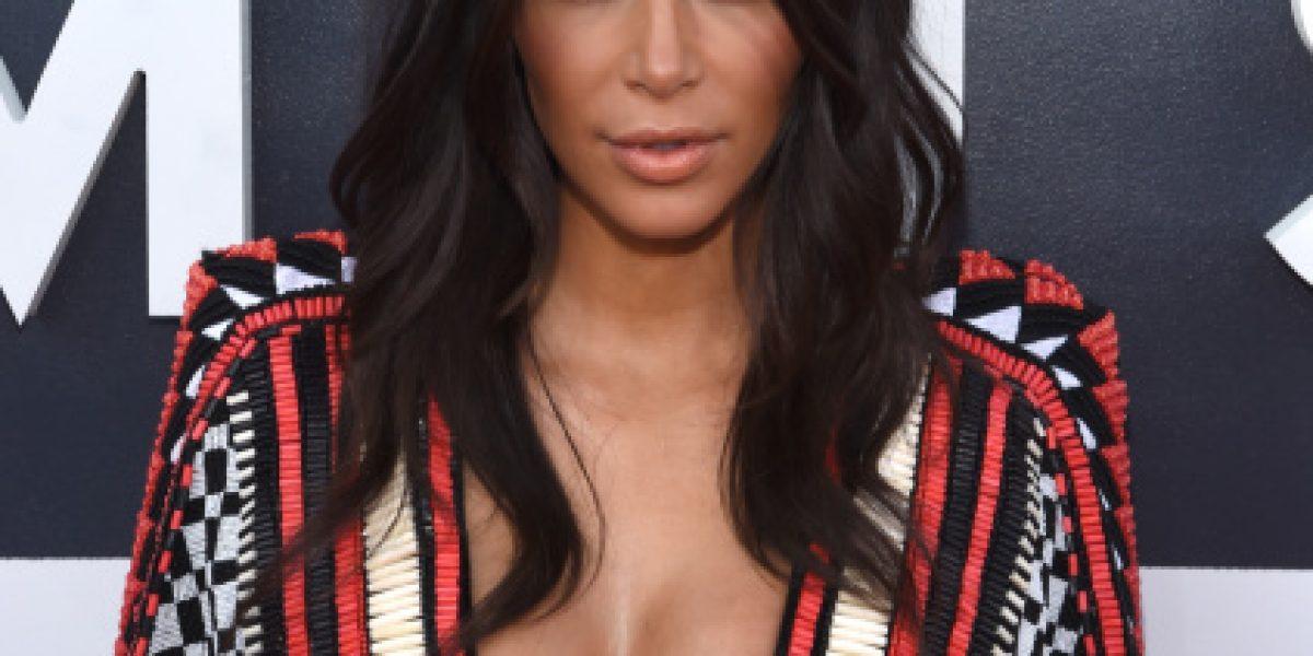 Los 32 escotes más infartantes de Kim Kardashian