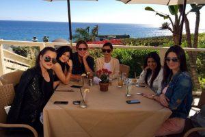 Cenar en Malibú, sin presiones. Foto:Instagram/Kim Kardashian. Imagen Por: