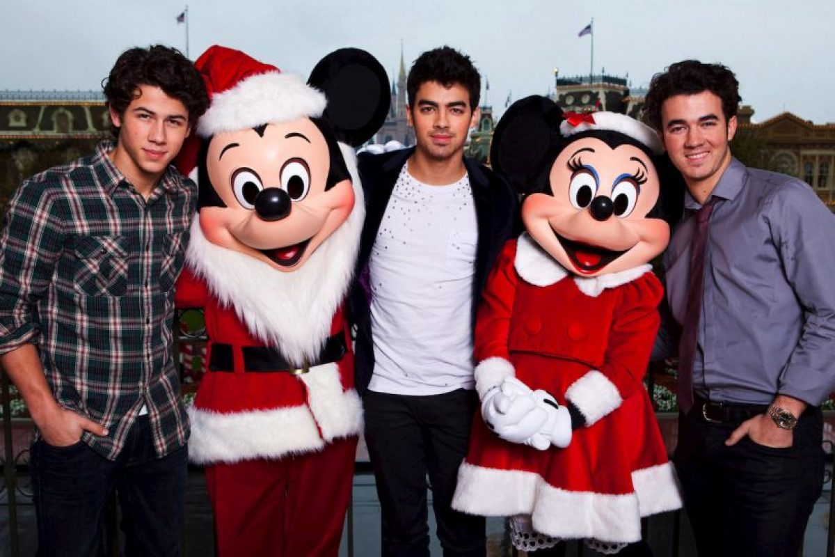 Nick Jonas, Joe Jonas y Kevin Jonas Foto:Getty Images. Imagen Por: