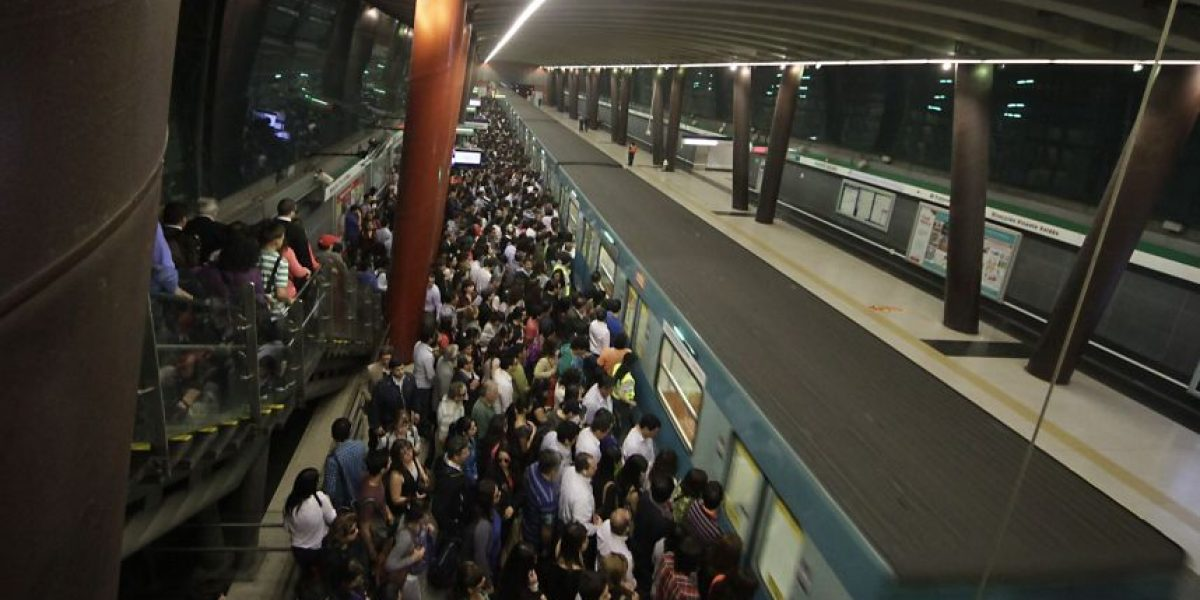 Nueva falla en el Metro de Santiago desata la furia tuitera