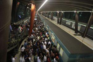 Algunas de las postales tras los últimos problemas ocurridos con el Metro. Foto:Agencia Uno. Imagen Por: