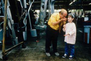 """En 1996 dirigió y protagonizó la película """"Matilda"""" Foto:IMDB. Imagen Por:"""