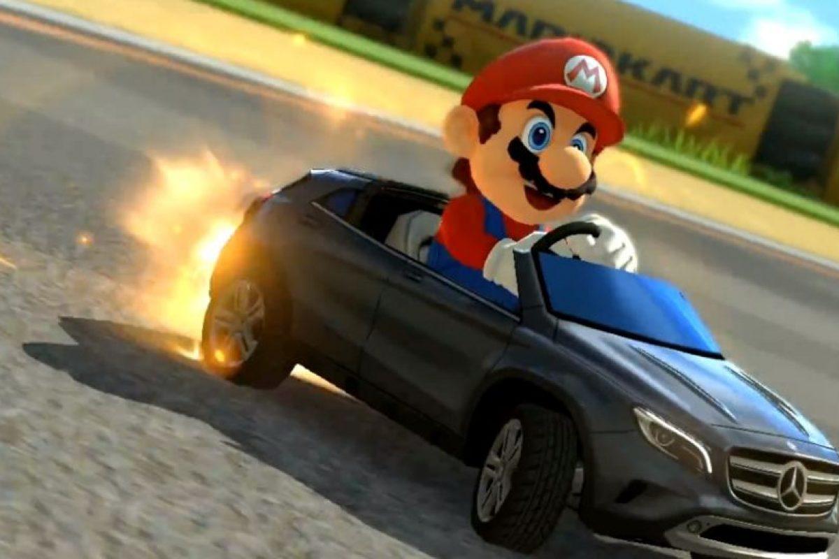Mario compitiendo en un Mercedes-Benz. Foto:Mercedes-BenzTV. Imagen Por: