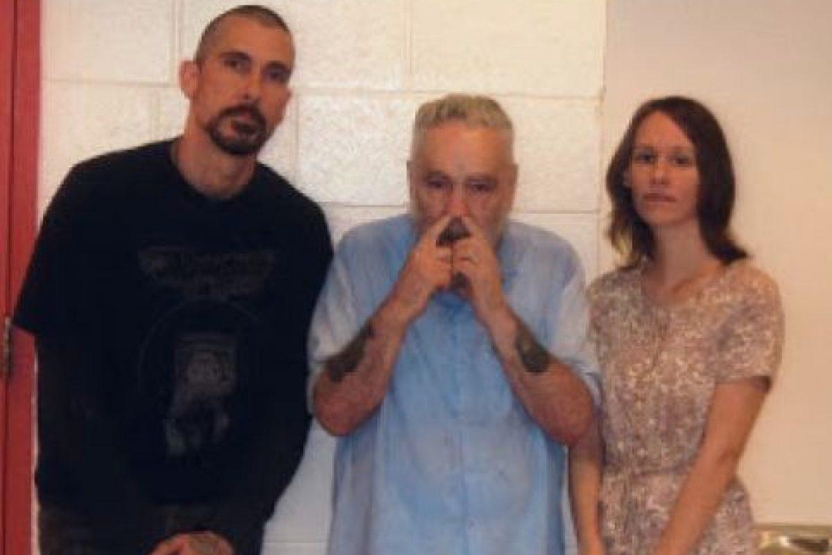 """Antes las declaraciones de Burton, Manson mencionó: """"Eso es solo un montón de basura. Estamos jugando con esta basura para que la gente la consuma"""". Foto:MansonDirect.com. Imagen Por:"""