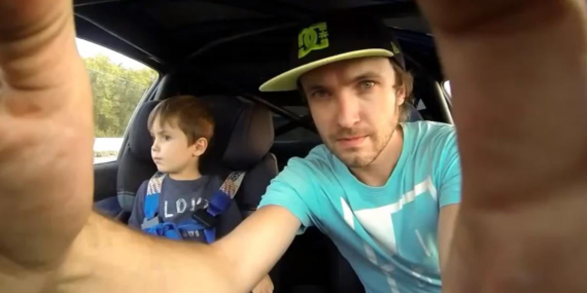 Niño goza del drift en un Subaru Impreza WRX STi de 350 hp
