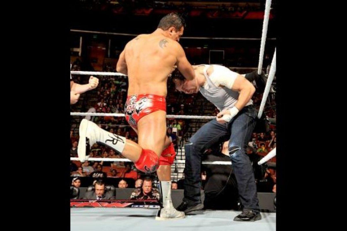 Tuvo un problema de racismo con un empleado de la WWE Foto:WWE. Imagen Por: