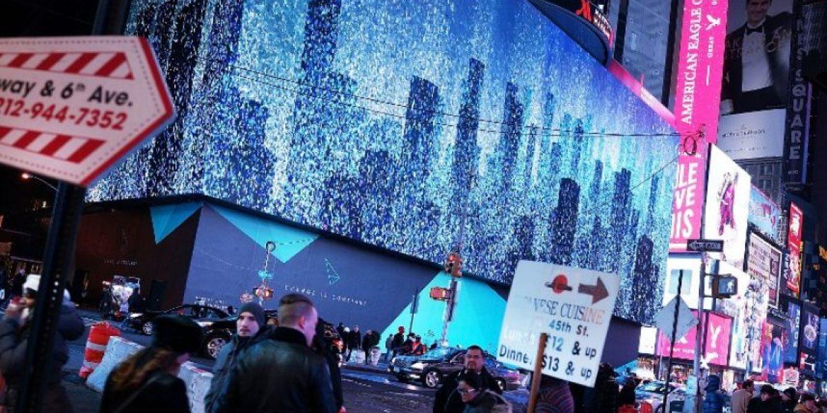 (FOTOS) Nueva York estrenó la pantalla más grande del mundo en pleno Times Square