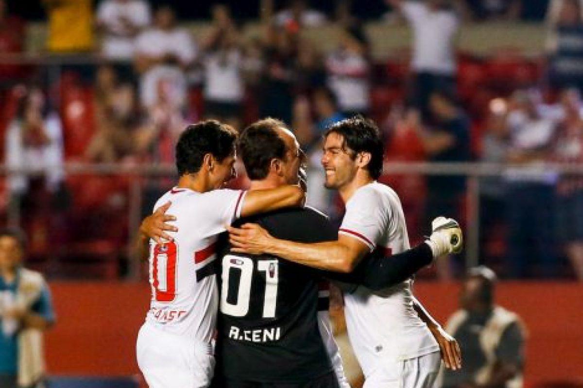 El brasileño del Sao Paulo es el arquero que ha marcado más goles en toda la historia, con 123 dianas Foto:Getty. Imagen Por: