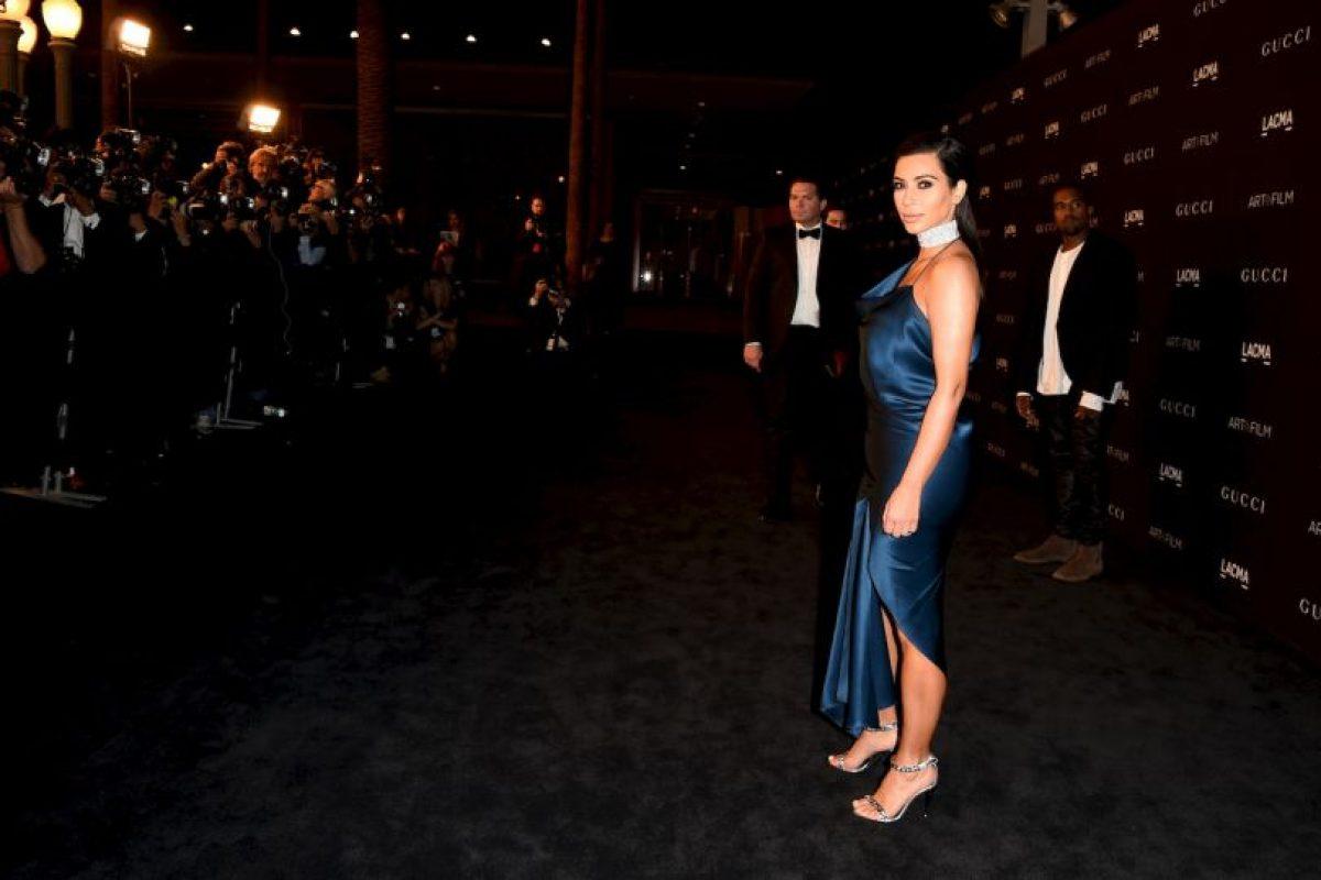 A mediados de 2012, se dio a conocer que Kim salía con el rapero Kanye West Foto:Getty Images. Imagen Por: