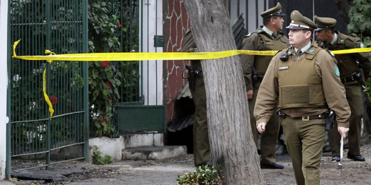 Lamentables imágenes deja incendio que terminó con dos personas muertas en Maipú