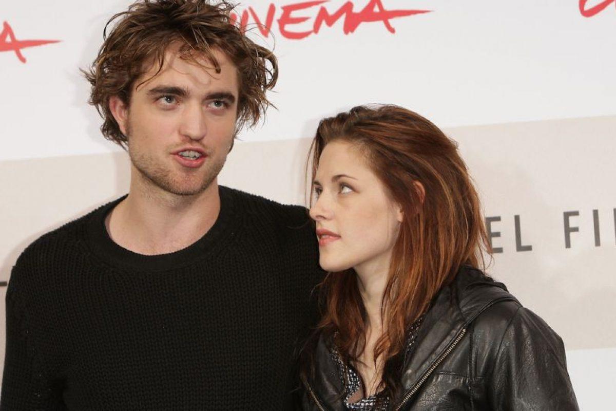 """Durante la premier del filme """"The Twilight Saga: Breaking Dawn – Part 2"""", una fanática amenazó de muerte a Kristen, que desfilaba por la alfombra roja. Foto:Getty Images. Imagen Por:"""