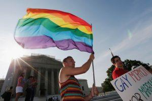 Según el sitio Gaybros.com, algunos estudios han determinado que los hombres homosexuales se diferencian de los heterosexuales por sus rasgos psicológicos. Foto:Getty Images. Imagen Por: