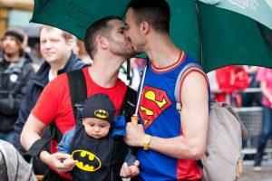 Hasta el momento, no existe un medio que controle la orientación sexual de los niños. Foto:Getty Images. Imagen Por: