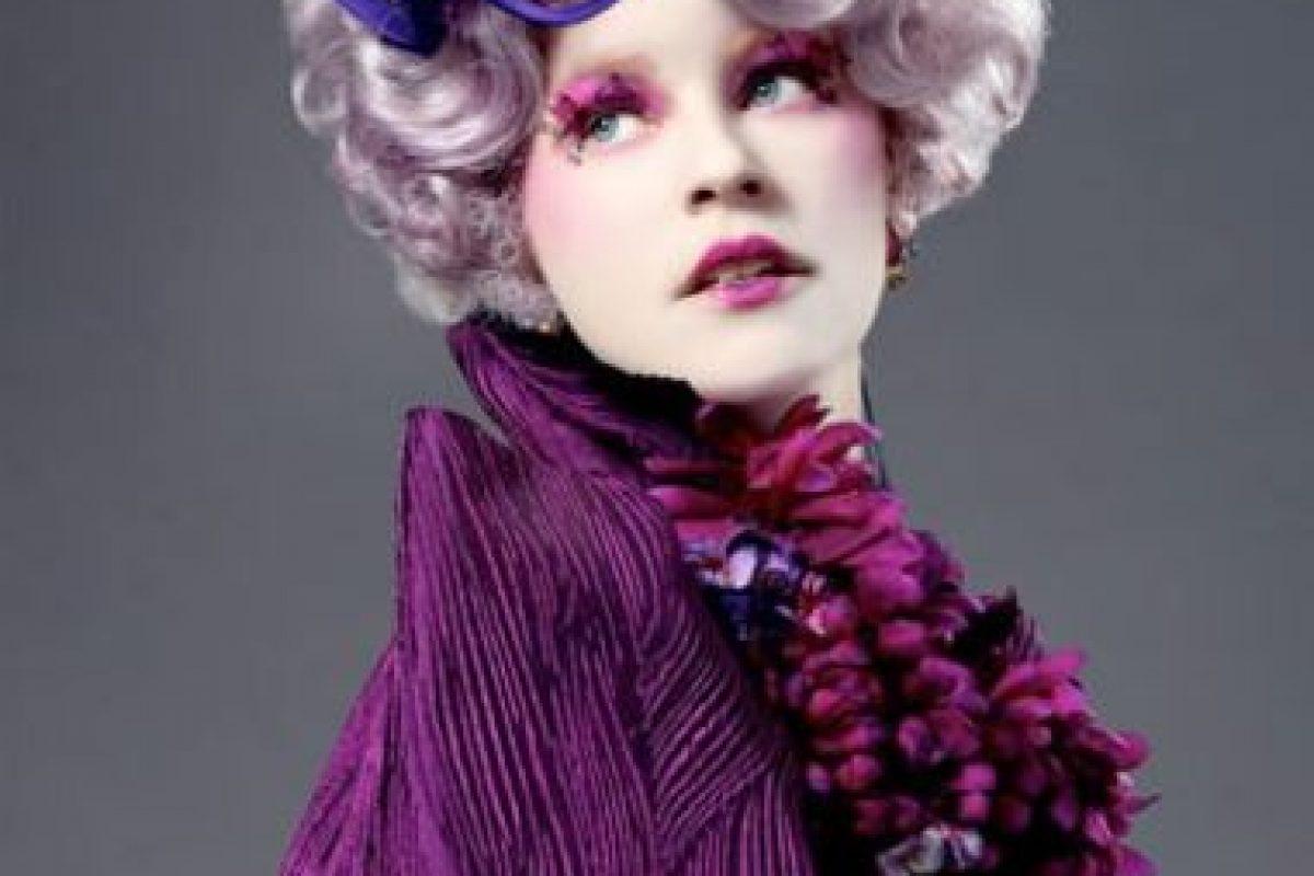 La estadounidense Elizabeth Banks es Effie Trinket. Foto:Lionsgate. Imagen Por: