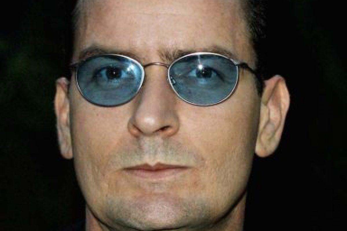 Los últimos 20 años, Charlie Sheen ha golpeado y abusado a sus parejas. Foto:Getty. Imagen Por: