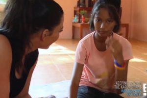 La niña se negó a ser adoptada por la socialité Foto:Vía E!. Imagen Por: