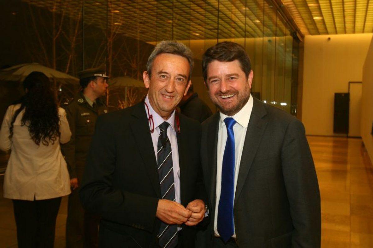 Luis Alonso, arquitecto catalán experto en desarrollo urbano, junto a Claudio Orrego, Intendente Metropolitano de Santiago. Foto:Gentileza Luis Alonso. Imagen Por: