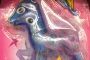 """La """"Pequeña Pony"""" picassiana Foto:Tumblr/Bootleg Toys. Imagen Por:"""