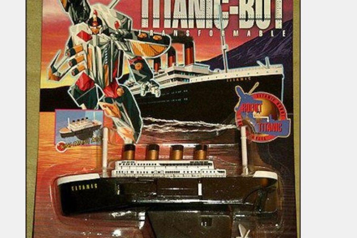 Todo obedecía a un plan maestro en el que el Titanic se convertía en un Transformer Foto:Tumblr/Bootleg Toys. Imagen Por: