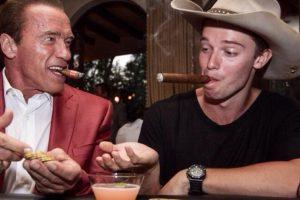 Su papá es Arnold Schwarzenegger Foto:Facebook Patrick Schwarzenegger. Imagen Por: