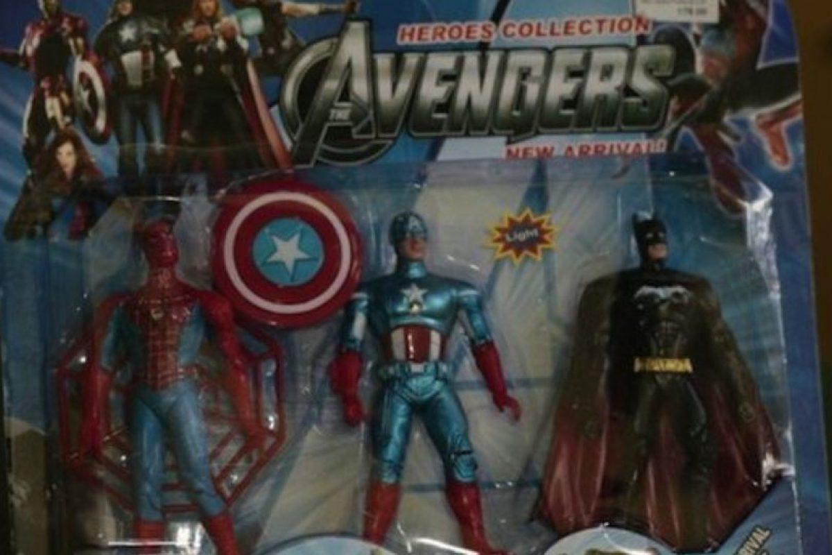 Batman quiere integrarse al equipo. Foto:Tumblr/Bootleg Toys. Imagen Por: