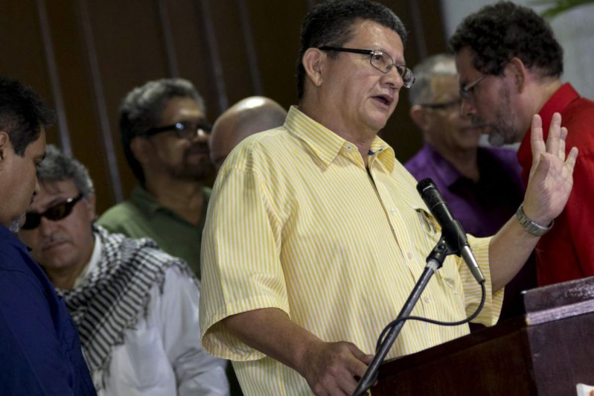 La guerrilla reiteró su voluntad de seguir trabajando por la paz. Foto:AP. Imagen Por: