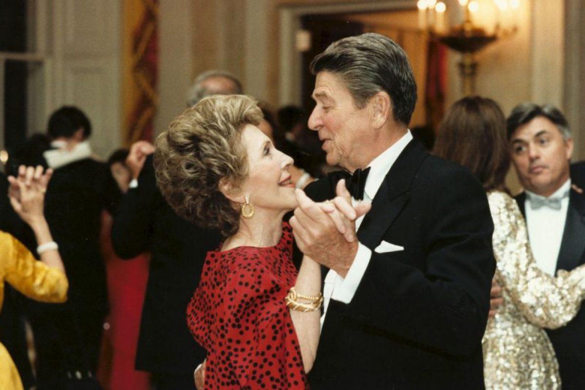 Nancy y Ronald Reagan. Foto:Getty Images. Imagen Por: