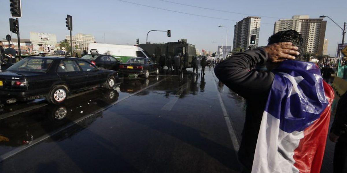 Fotos: Así se vive el bloqueo de los taxis colectivos que colapsa a Santiago