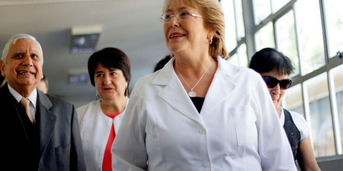 Salud: Bachelet destaca aumento de 85% para infraestructura en presupuesto 2015