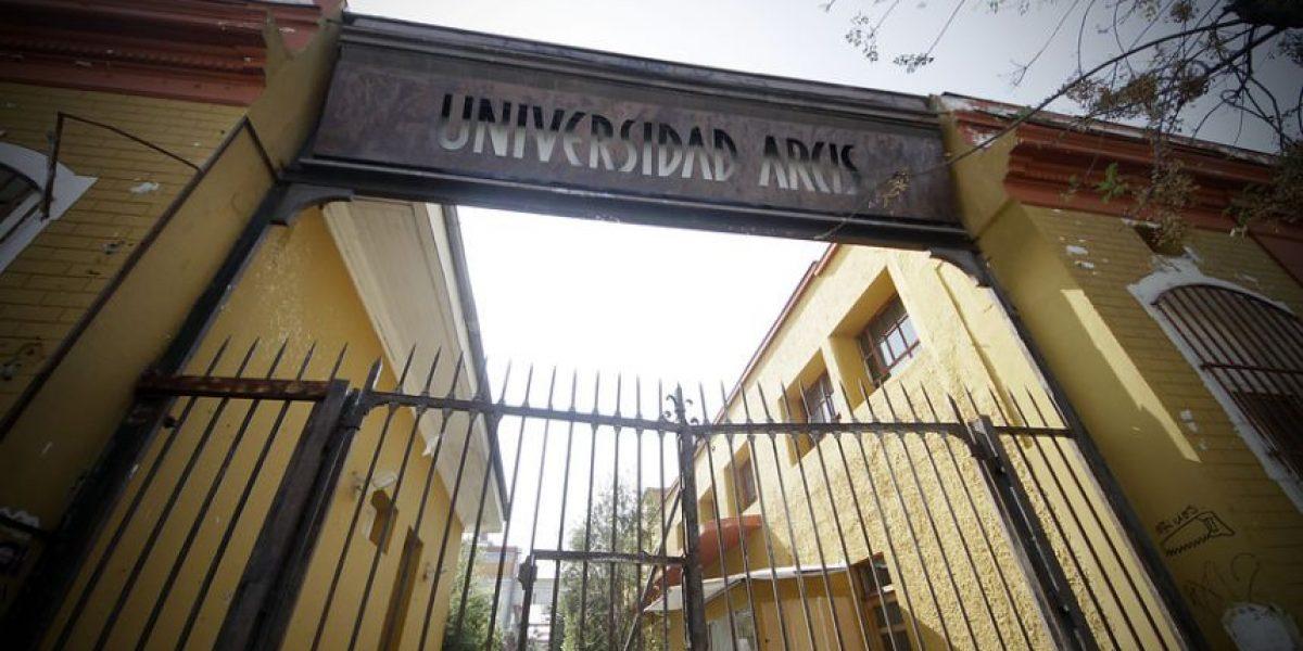 ¿Acuerdo UDI-PC? En Twitter nadie entiende el fin de la comisión investigadora por la U. Arcis