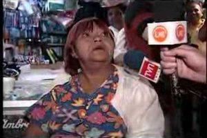 """""""La abuela de Rosa Espinoza"""" es una señora que a garabato limpio, pero con mucha picardía, manifestaba su molestia porque no la atendían en un recinto asistencial. Foto:Youtube. Imagen Por:"""