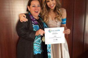 Isabel Crowley, Representante de UNICEF y Thalía Foto:Instagram/Thalía. Imagen Por: