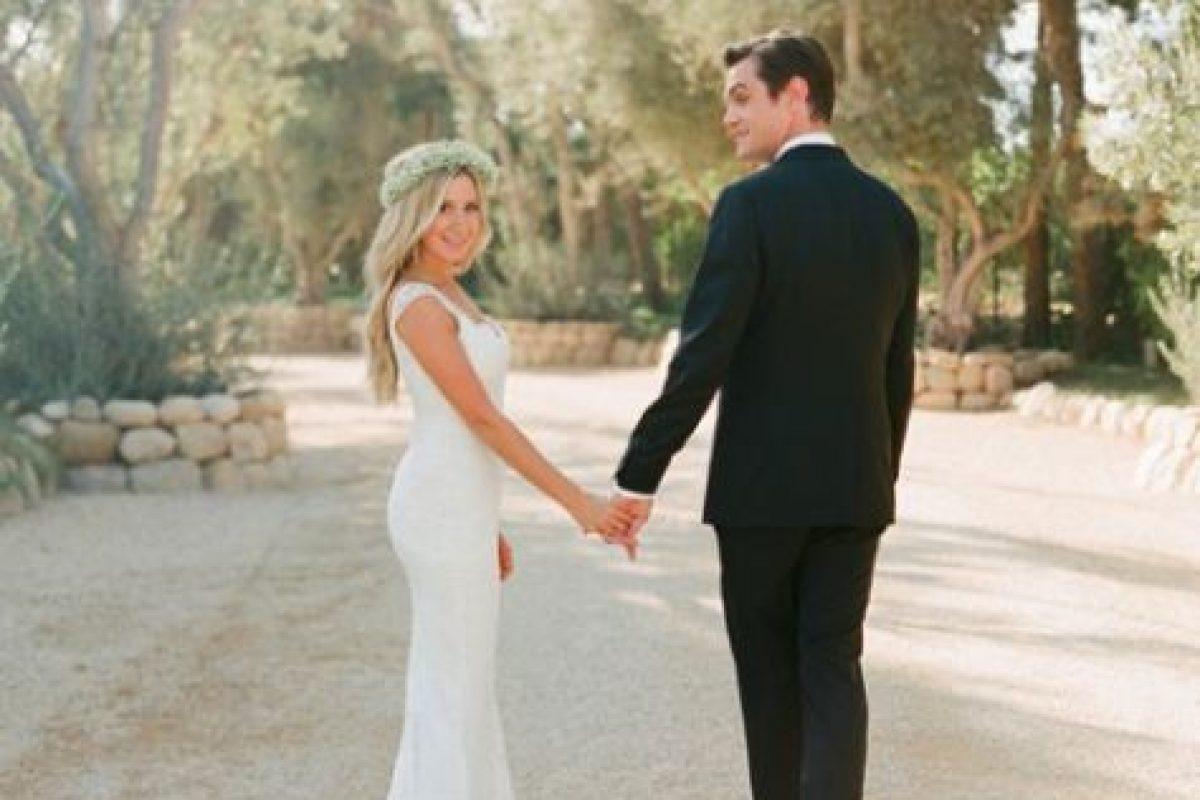 Tisdale sorprendió en septiembre, cuando publicó las fotografías de su boda con Christopher French. Foto:Instagram/Ashley Tisdale. Imagen Por: